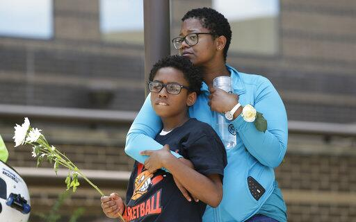 Imputan a expolicía en Texas por muerte de Jordan Edwards, joven afroame...