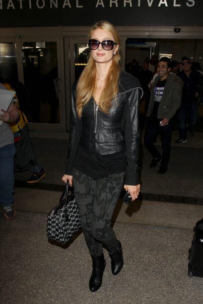 Ya sea en 'jeans' o vestidos, esta celebridad adora acentuar sus curvas...