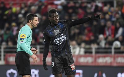 Mario Balotelli sufrió un nuevo episodio racista en Francia.