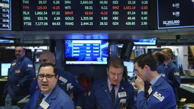 La caída de los indices llenó de nerviosismo el parqué de la Bolsa de Nu...