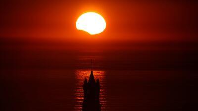 Fotos: Desde el mediodía del Caribe al atardecer en Europa se pudo ver la belleza del eclipse