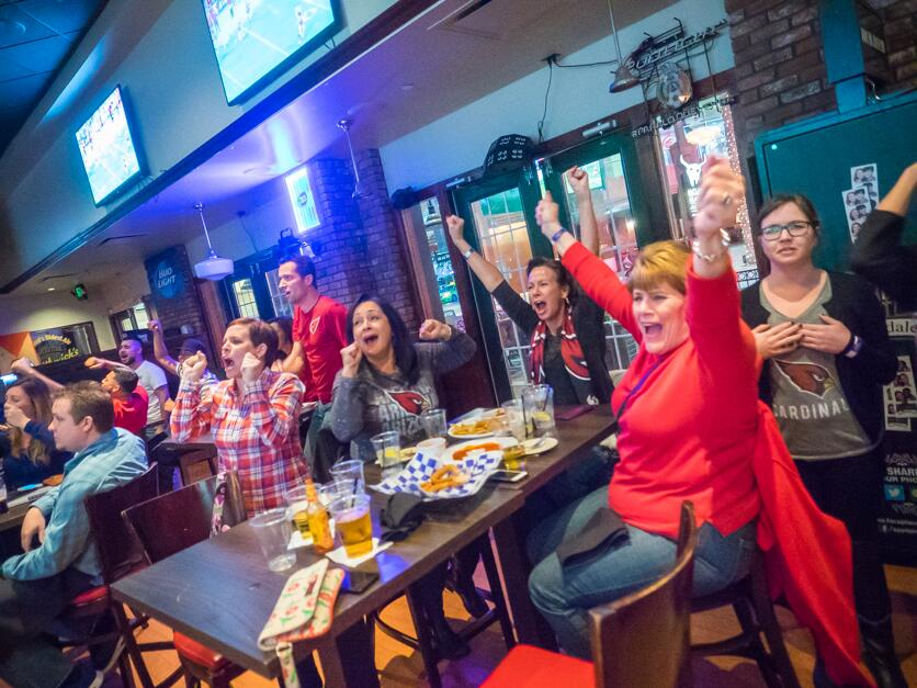 Antes del duelo por la derrota, los fans estaban de fiesta en el Valle