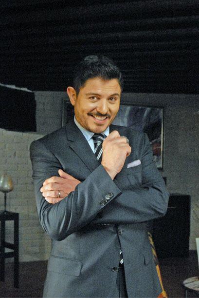 Y Ernesto Laguardia te enamorará con ese estilo de malvado.