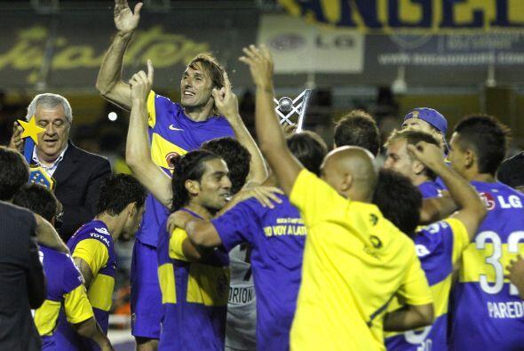 El Club Atlético  Boca Juniors volvió a dar la vuelta olímpica y salió C...