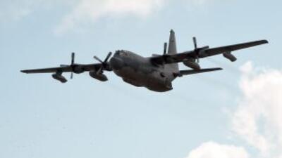 Dos aviones Hércules y varios vehículos terrrestres de Francia participa...