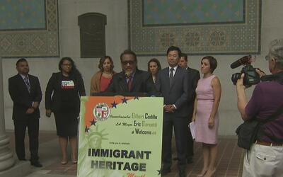 Inicia la celebración del mes de la herencia inmigrante en Los Ángeles