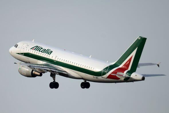 41- 457 personas fallecieron en 15 siniestros protagonizados por Alitalia.