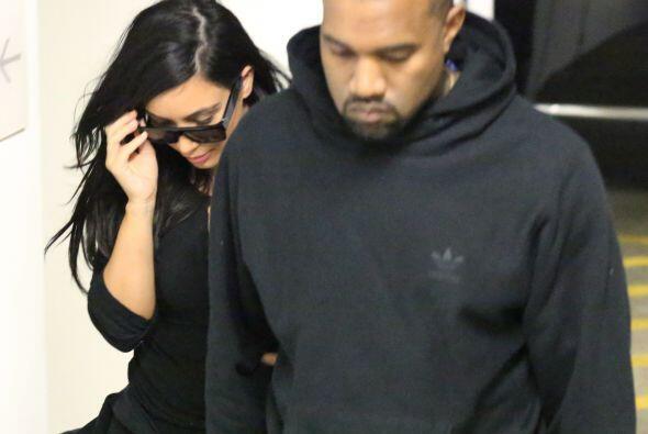 A pesar de los rumores, Kim sigue compartiendo fotos junto a Kanye en re...