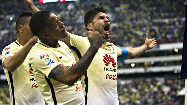 Oribe Peralta le marcó dos goles a Cruz Azul.