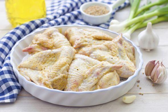 Alitas de pollo al limón: Para preparar esta versión sin rebozado, neces...