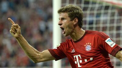 Thomas Müller hizo un doblete en el estreno liguero del Bayern Munich.