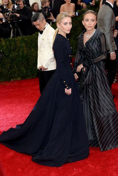 ¡Pero qué delgadas están las hermanas Olsen! Y como siempre, vistiendo a...
