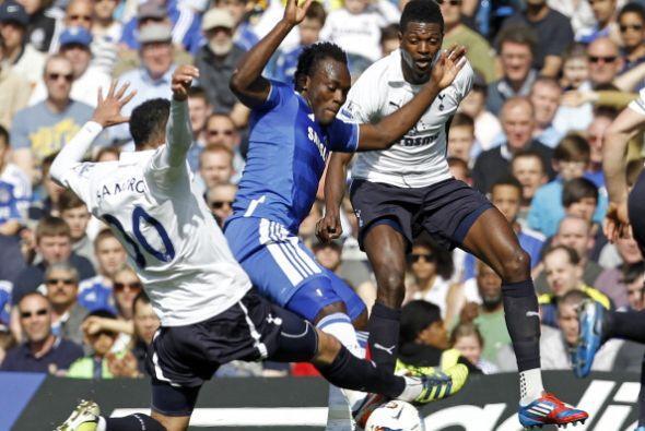 Chelsea respondió y tuvo su chance mediante una pelota parada.