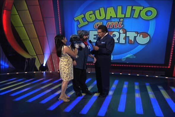 Ante el parecido de algunos concursantes, Don Francisco divertido platic...