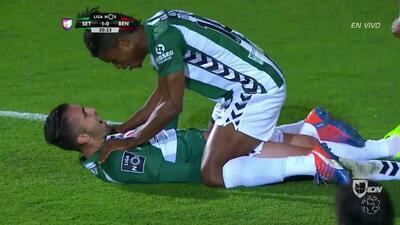 Gooool!!! José Manuel Silva Oliveira remata de cabeza y anota para Vitória Setúbal