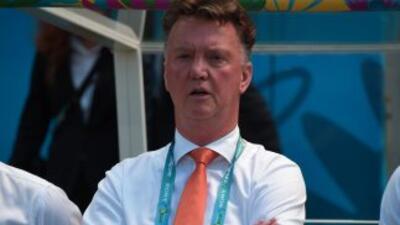 El entrenador holandés inicia su aventura en la Liga Premier, al frente...