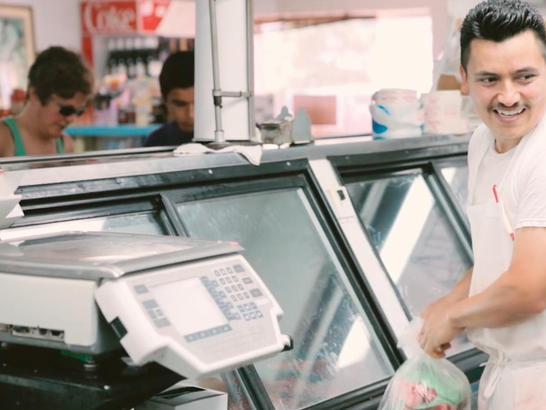 Una imagen capturada del documental 'Un buen carnicero'.
