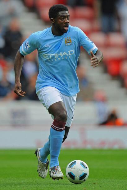 Kolo Touré, defensa de Costa de Marfil en 2006, suele ingresar en último...