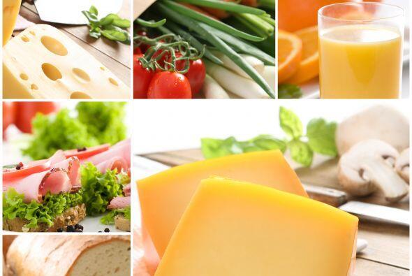 2. Separar:Mantén los productos de huevos, carnes de res, aves o product...