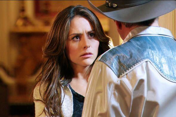 Como escuchaste, ella es la amante de Fausto. ¿Se lo dirás a Mateo?