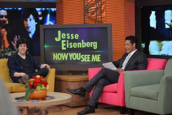 Johnny felicitó a Jesse por esta nueva cinta en donde la magia será piez...