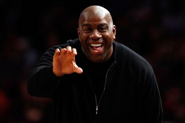 La ex estrella de la NBA Magic Johnson le va a los Patriotas.