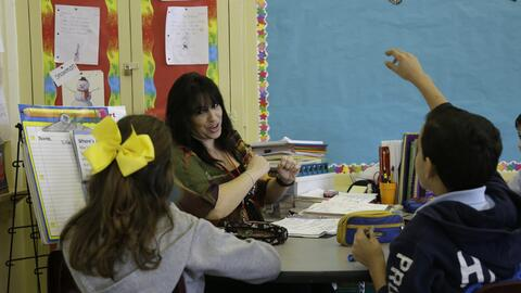 Bilingualism offers cognitive and academic benefits.