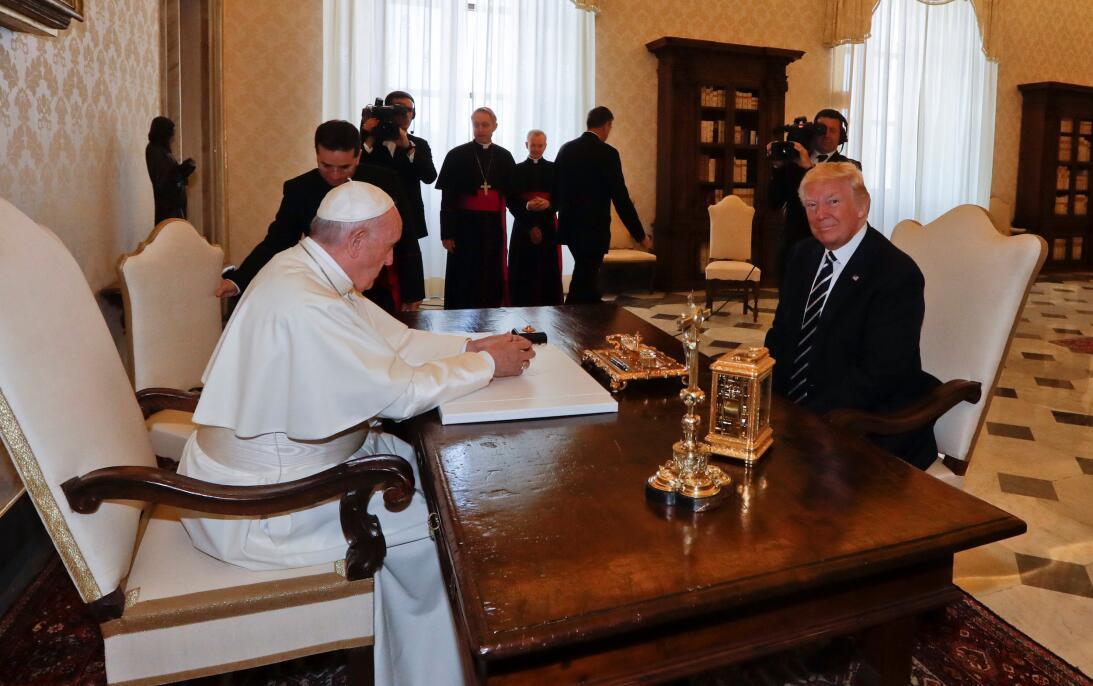 El papa Francisco reunido con Donald Trump a punto de dar inicio a la en...