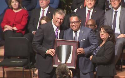 El alcalde Mike Rawlings ratifica su oposición a la ley SB4 en la inaugu...