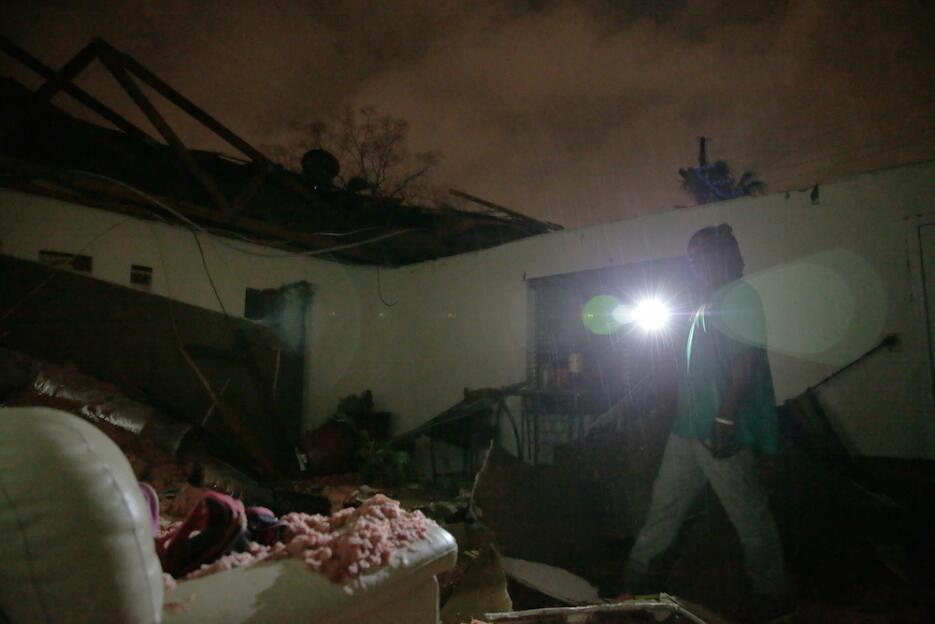 Tormentas y tornados azotan Louisiana y Mississippi tornado2.jpg