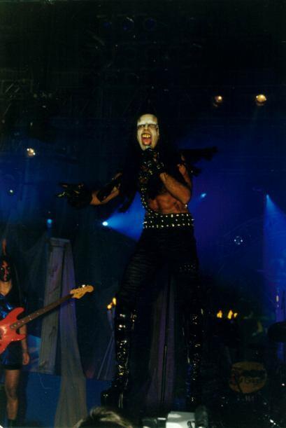 ¿Qué tal su Marilín Mensón, inspirado en el rockero Marilyn Manson? ¡De...