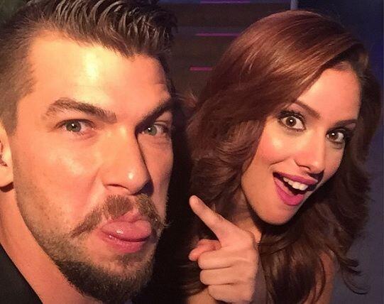 """""""Con mi hermosa amiga @aleydaortiz tras bastidores de @sabadogigante en..."""