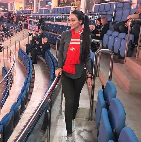 Victoria Gameeva no solo es la doctora del Spartak de Moscú, sino que es...