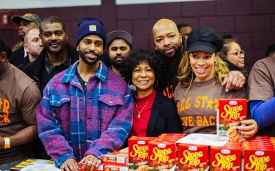 Big Sean gives away over 5,000 turkeys in his hometown