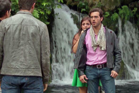 """Por fortuna """"Cristóbal"""" andaba cerca y la rescató de una desgracia."""