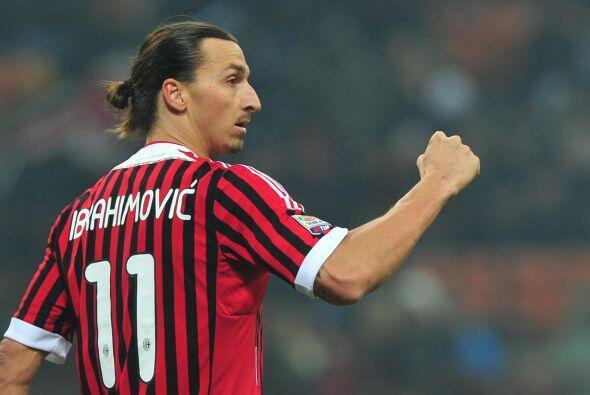 Con la ayuda de Zlatan, el Milan quedó a un solo punto de la 'Juve' para...