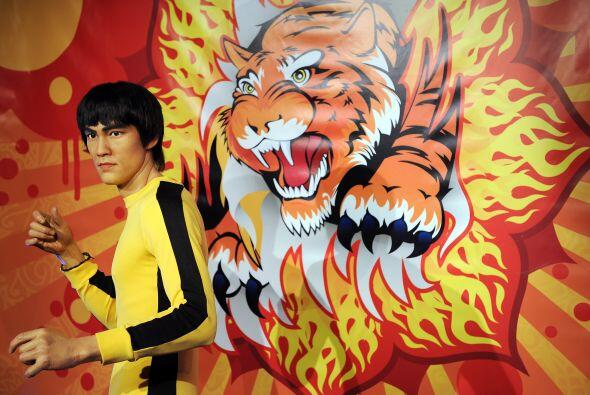 Bruce Lee, quien murió en 1973 a los 32 años, ayudó a traer a Occidente...