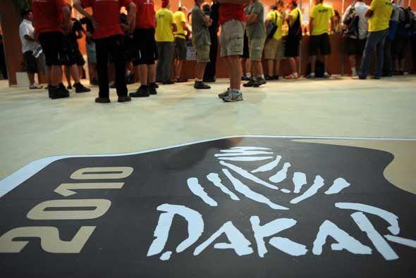 El rally Dakar 2010 da la bienvenida a los participantes y al público en...