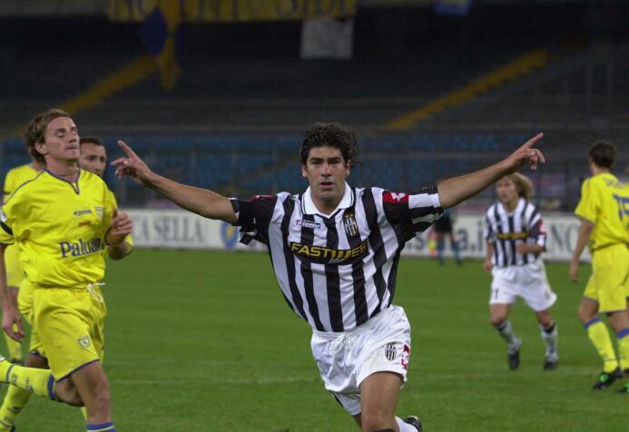 El 'Matador' Marcelo Salas brilló con la Lazio en Europa, pasó a...