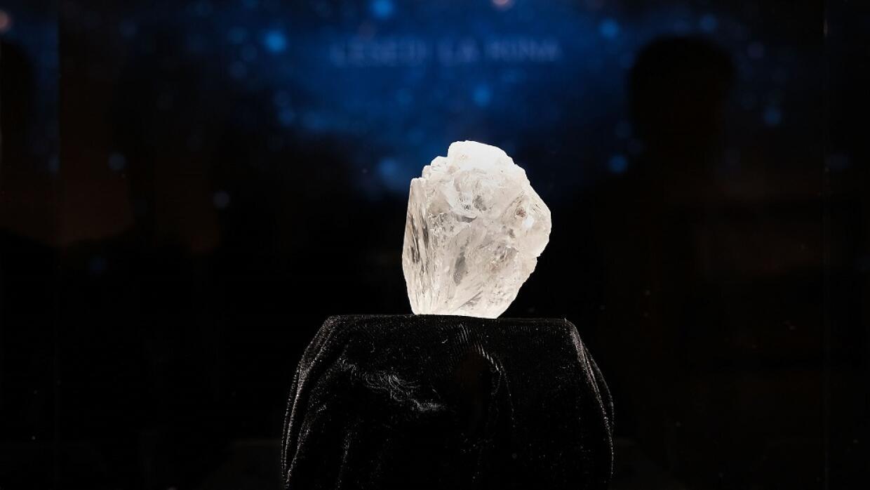 El diamante Lesedi La Rona, mostrado en una exposición en las instalacio...