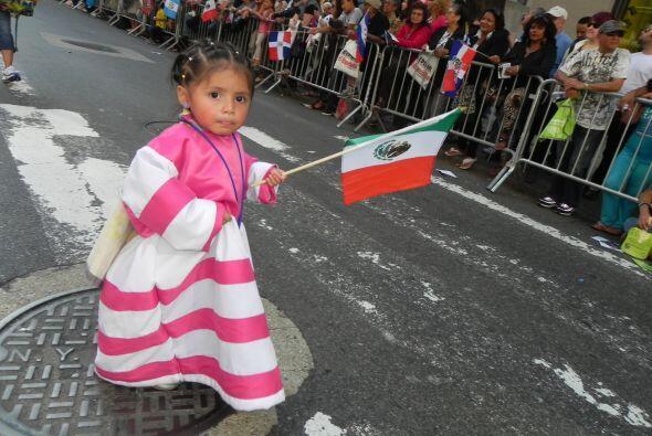 Los niños en el desfile de la Hispanidad feb46726bcac4720a65ef8d2c0b44bb...