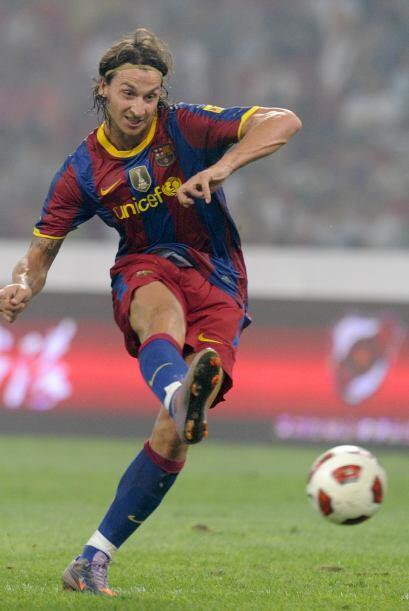 Y cuando el duelo estaba por terminar, el sueco Zlatan Ibrahimovic sorpr...