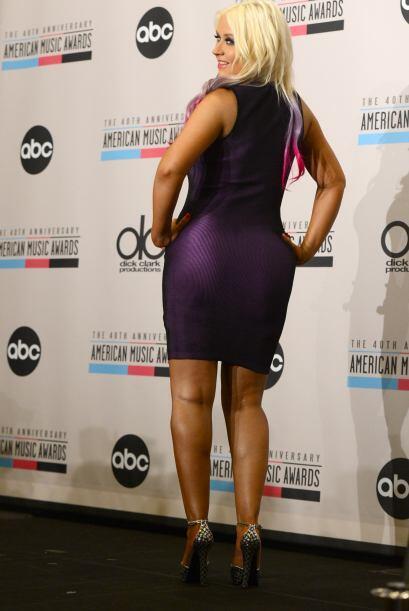Christina definitivamente tendrás que sacar toda la ropa ajustada del cl...