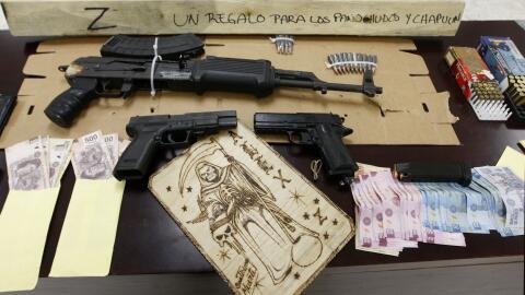 Armas, dinero y artículos decomisados a narcotraficantes en M&eac...