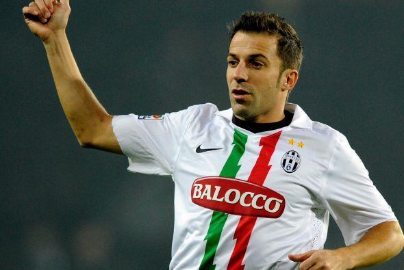 Del Piero ingresó en el segundo tiempo, se mostró activo p...
