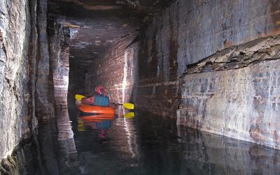 La cueva de Saint-Leonard bajo la ciudad de Montreal, Canadá.