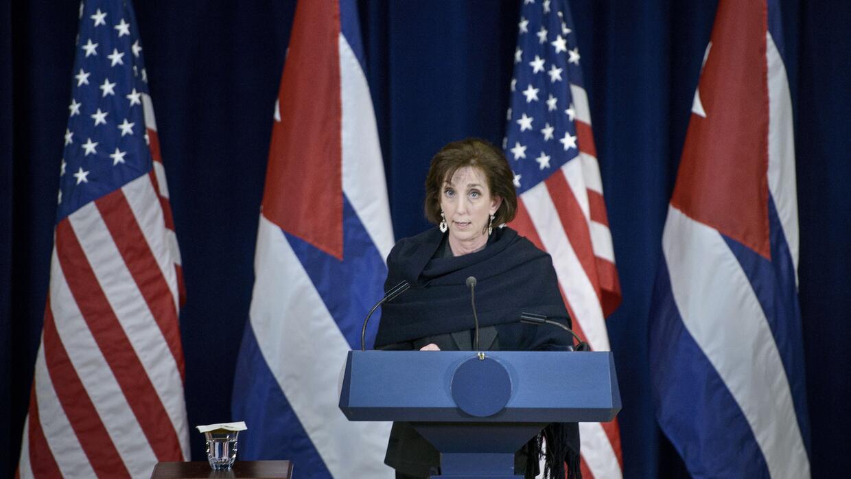 Roberta Jacobson, embajadora de EEUU ante México, fue criticada por los...