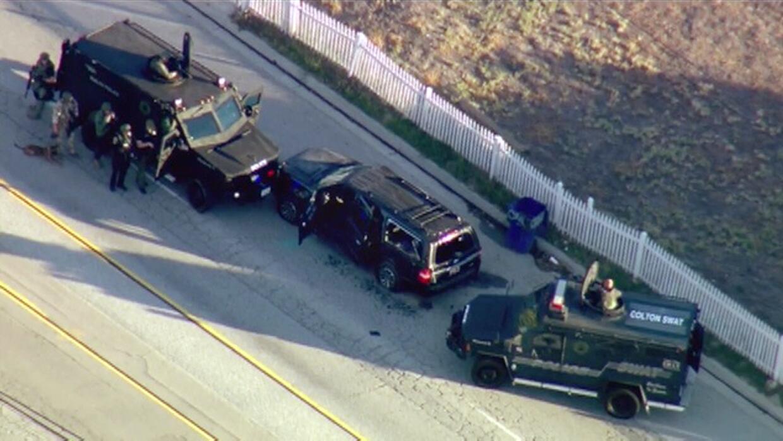 FBI busca conexiones extranjeras de los atacantes de San Bernardino carr...