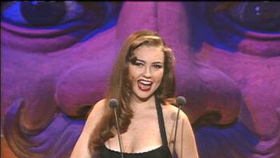 Arrasando: tenemos diez impactantes looks de gala de Thalía a través de los años