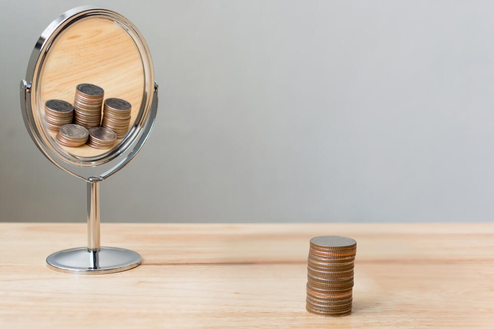 dinero en espejo